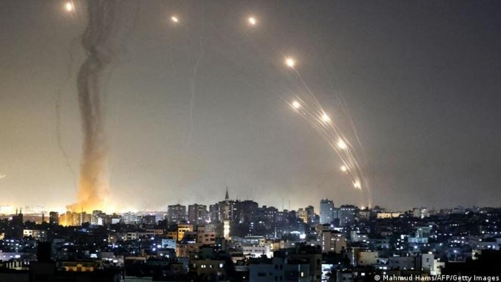 Israel defence system iron dome destroying rockets coming from Gaza strip